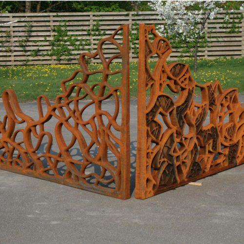 Sculpture in cast iron