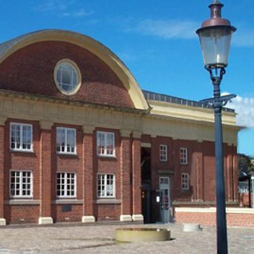 Københavnerlampe i Esbjerg ved Musikkonservatoriet.